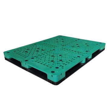 Reversible plastic pallets for beverage beers stacking